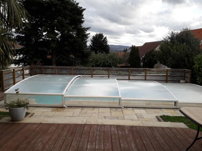 Grand filet de protection pour piscine en extérieur