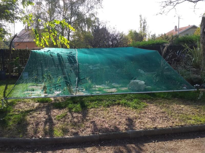 Filet anti-feuilles au dessus de mon bassin