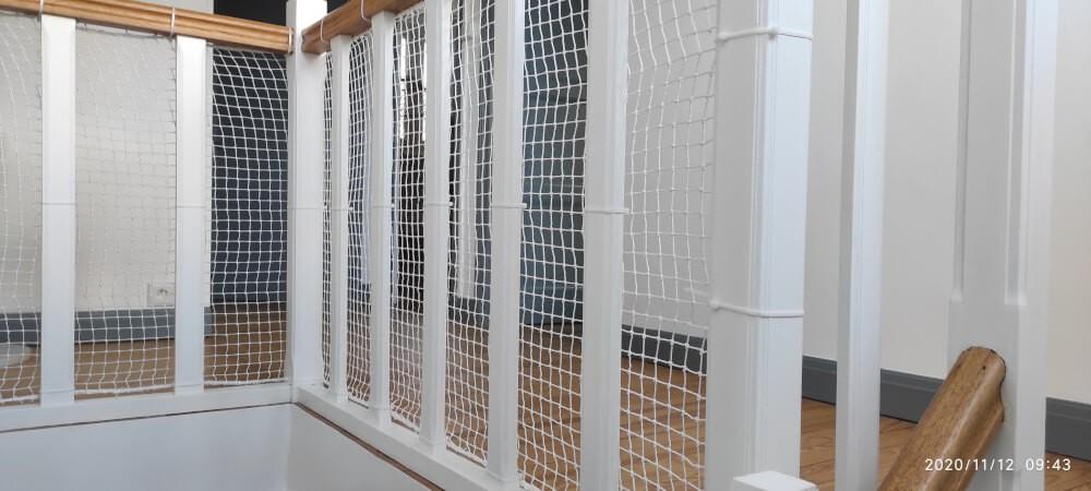 Filet de protection enfants polyamide pour protéger un escalier