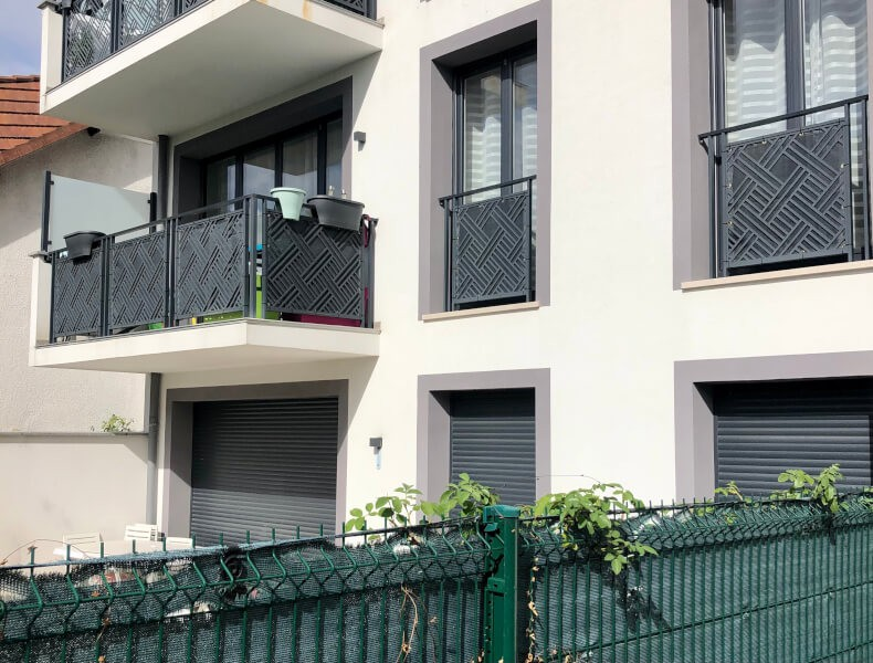 Filet brise-vue de couleur pour balcon