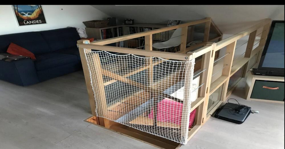 Filet de protection enfants polyamide pour garde-corps escalier