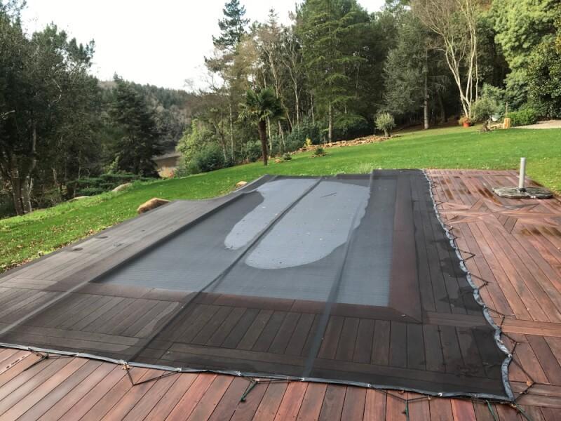 Filet anti-feuilles sr-mesure pour piscine à débordement