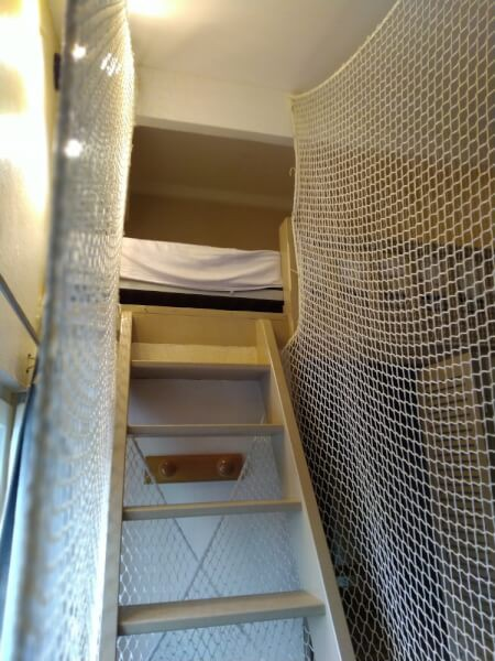 Sécuriser un lit mezzanine pour enfant avec un filet polyamide