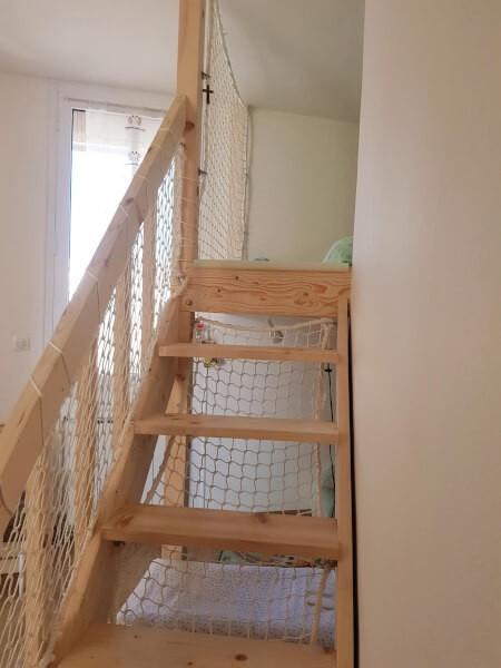 Filet de protection garde-corps pour sécuriser le lit au niveau de l'escalier