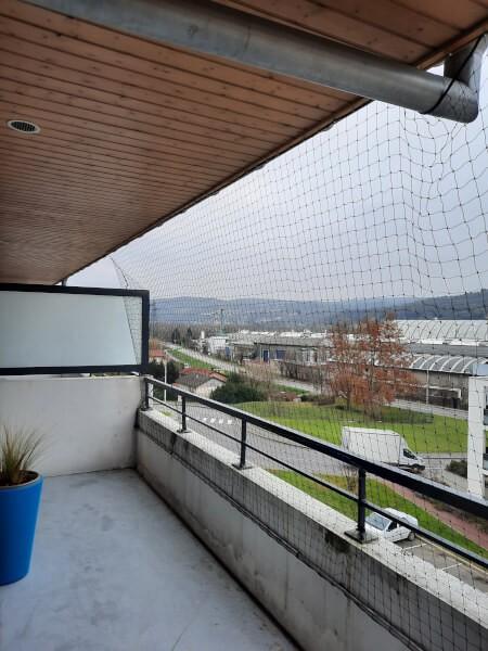 Filet de protection pour chat permettant de sécuriser totalement un balcon