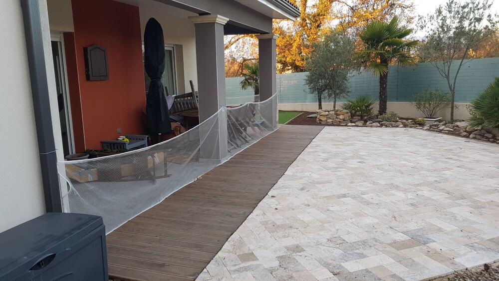 Filet anti-feuilles pour terrasse