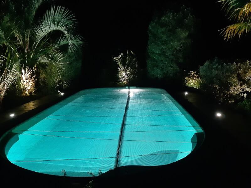 Filet anti-feuilles et salissures pour la piscine