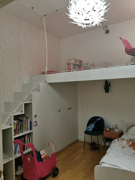Filet de protection enfants pour sécuriser un espace jeux en hauteur
