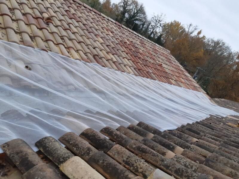 Filet anti-feuilles anti obstruction pour chéneau toiture