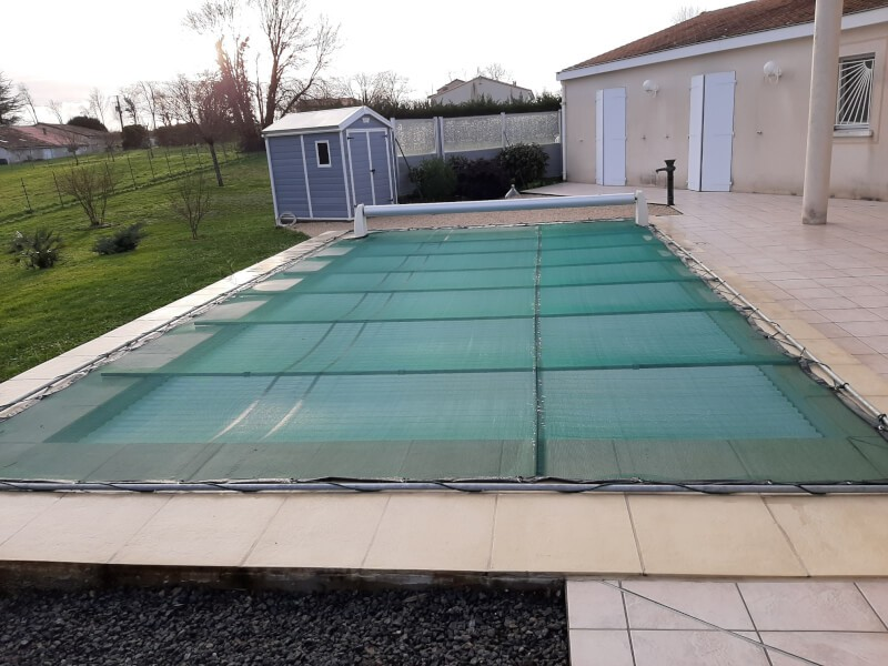 Filet anti-feuilles et salissures protection piscine