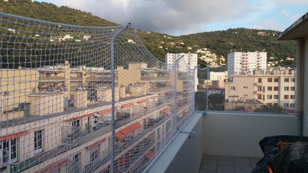 Filet de sécurisation pour chat d'une terrasse au 7ème étage