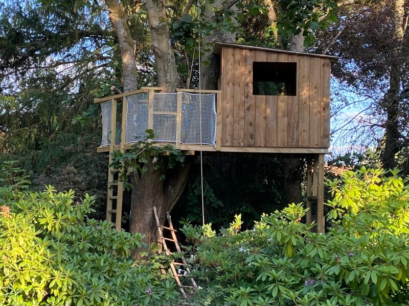 Filet de protection enfants pour sécuriser une cabane dans les arbres