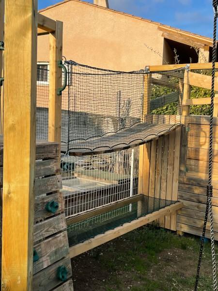 Filet de protection pour sécurisation d'un pont de singe