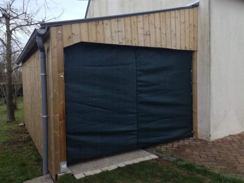Filet brise-vue pour fermer un garage