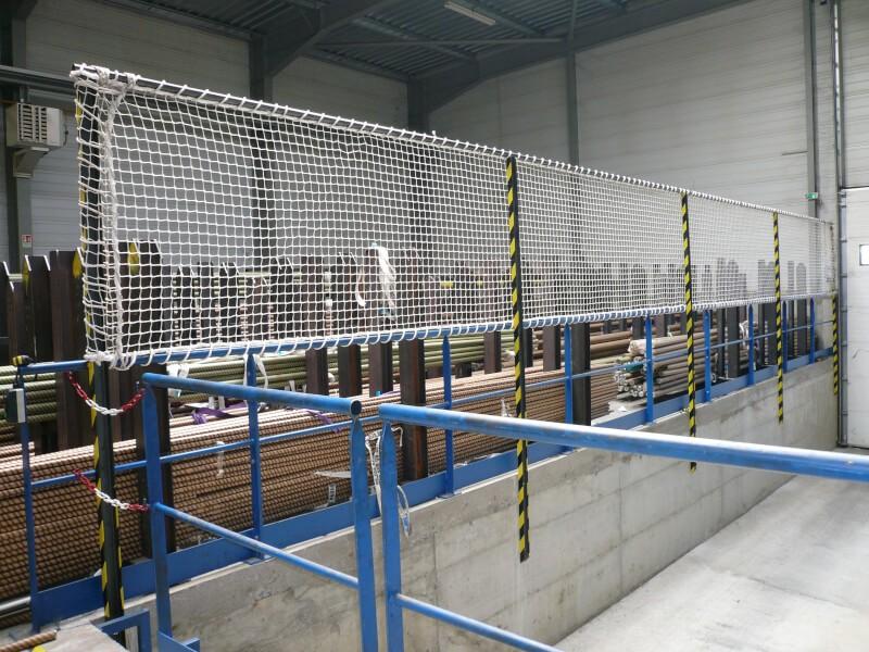 Filet de protection garde-corps pour hangar industriel