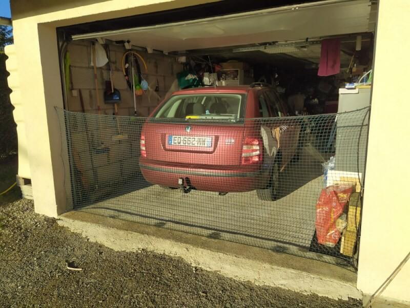 Filet de protection pour chats pour bloquer l'entrée du garage