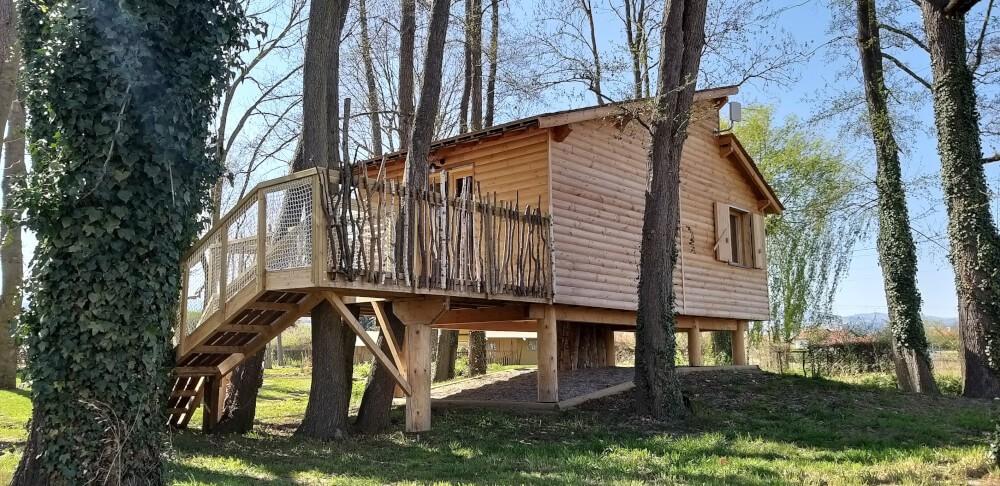 Filet garde-corps pour accès cabane dans les arbres