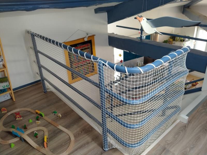 Filet de protection enfants pour sécuriser une mezzanine