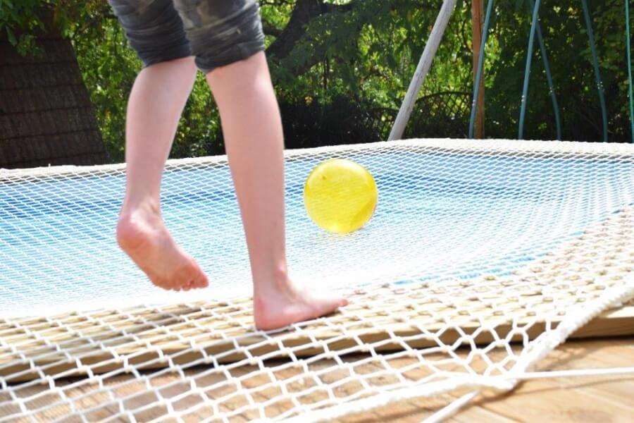 Filet de sécurité sur piscine anti-noyade