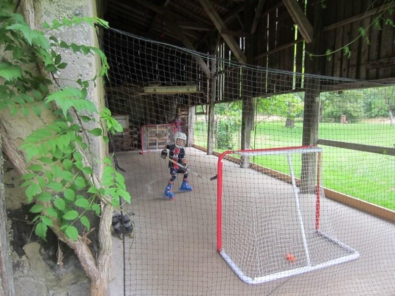 Filet pare-ballons pour un mini terrain de hockey