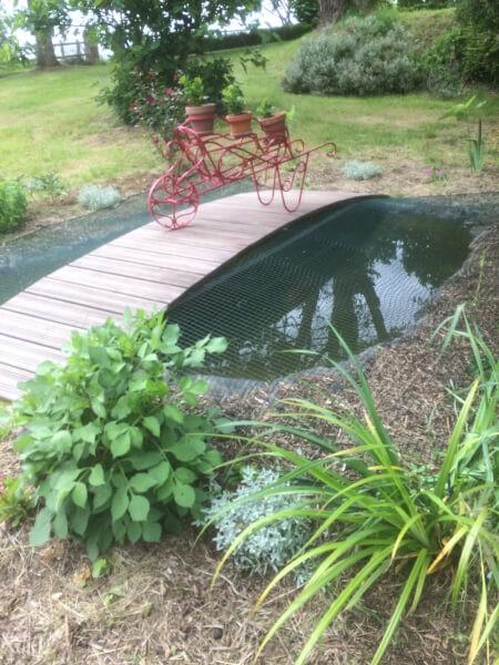 Filet pour protéger un bassin à poissons