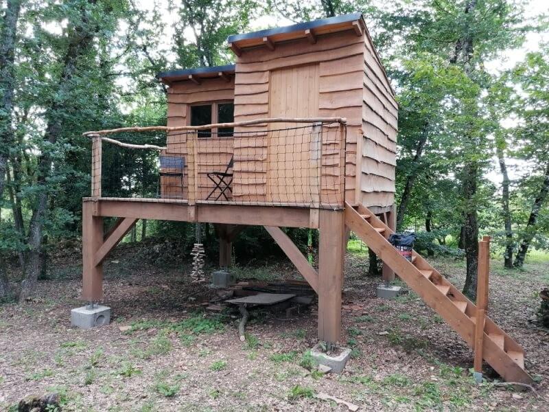 Filet de protection pour garde-corps d'une cabane en bois pour enfants