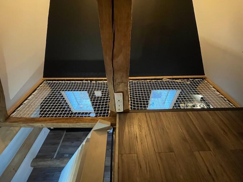 Sécurisation de la mezzanine dans une chambre d'ado