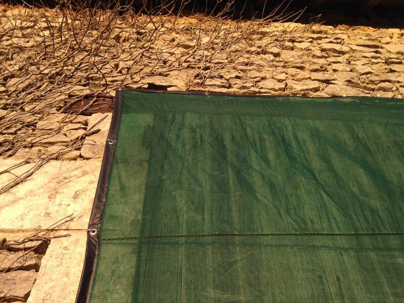 Filet brise-vent pour ouverture grange