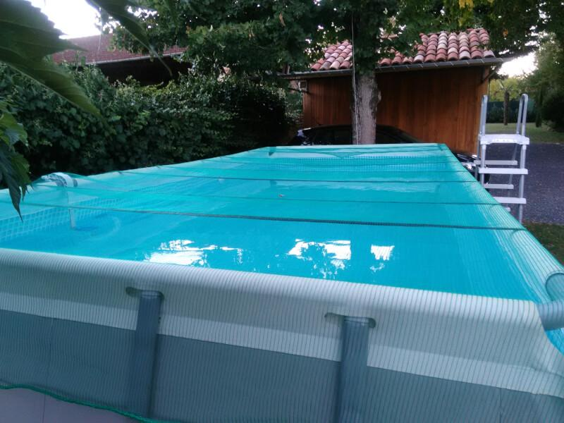 Le filet anti-feuille pour piscine et bassin en polyéthylène. guide piscine  et bassin. guide piscine et bassin ec6d8267bab0
